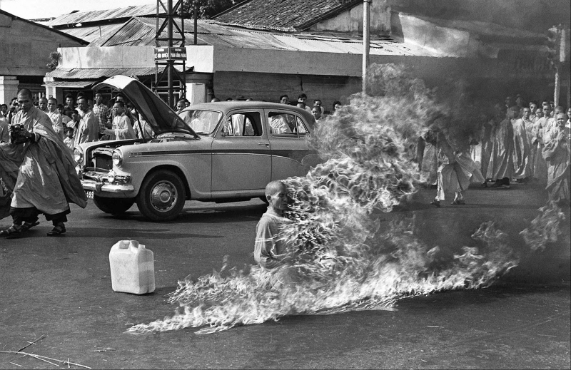 the-burning-monk-1963