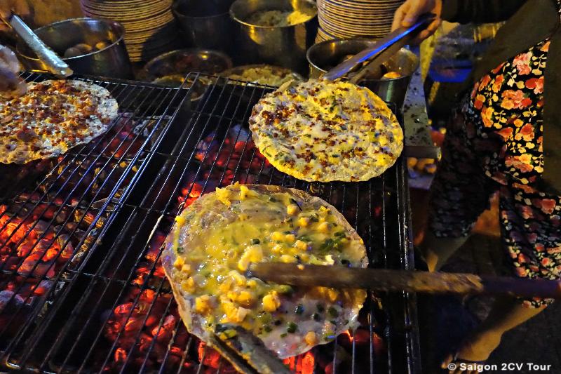 Vietnamese pizza - Saigon 2CV Tour