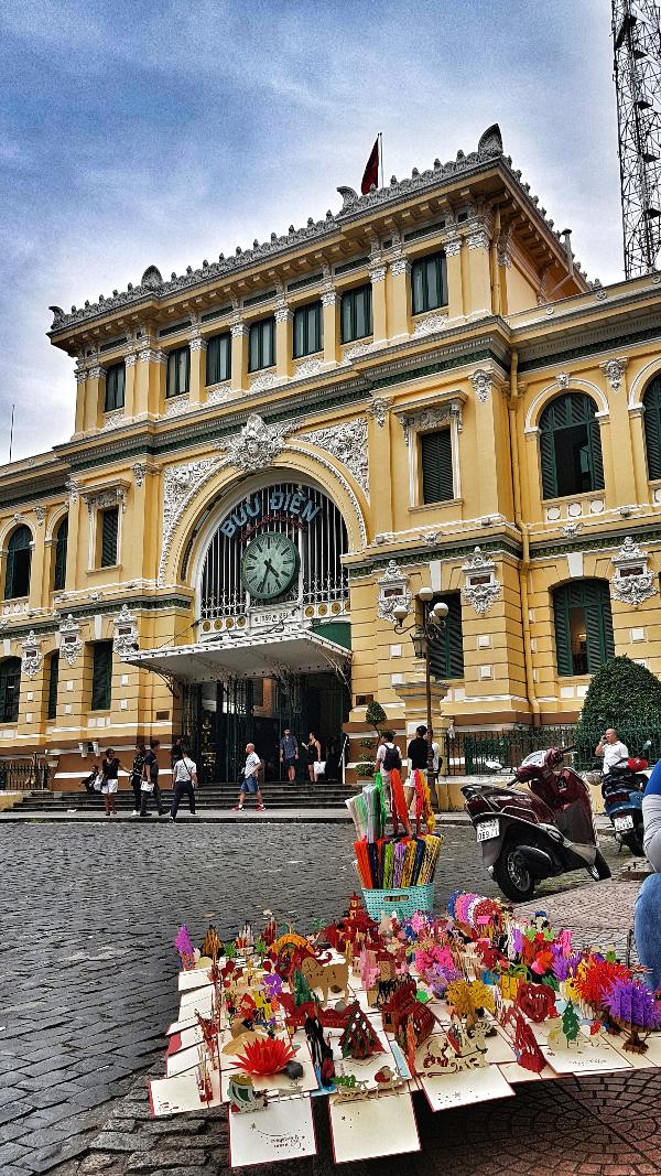 central-saigon-post-office